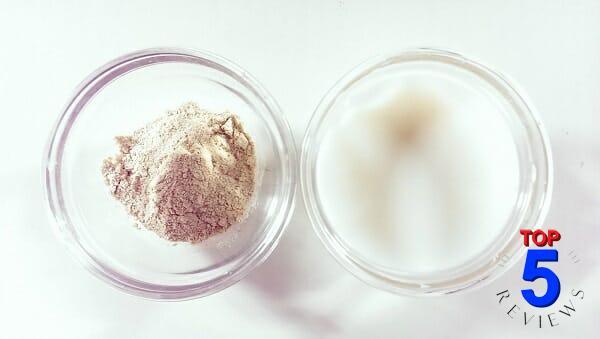 Mặt nạ cám gạo + sữa chua trị mụn cám