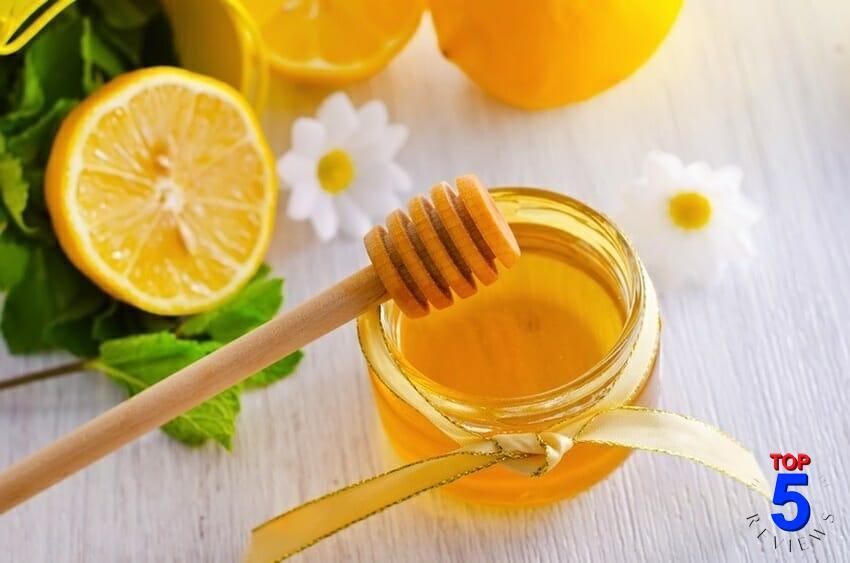 Mặt nạ mật ong + chanh trị mụn cám