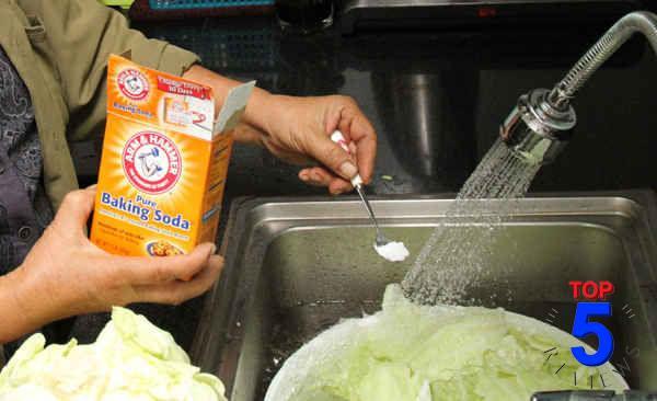 Sử dụng Baking soda Rửa trái cây, rau củ