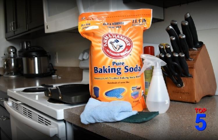 Sử dụng Baking soda tẩy rửa